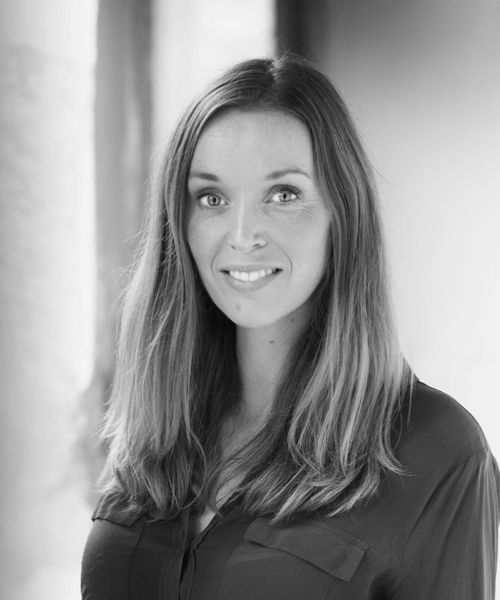 Mit navn er Karen Skovgaard Kvarning. Jeg har som privatpraktiserende psykolog min egen praksis i Herning midtby sammen med min mand, Alexander.